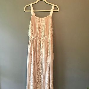 Never worn stunning Adelyn Rae lace dress.